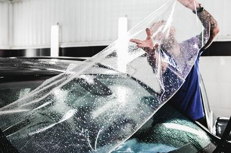 Тонкости и нюансы проведения работ по бронированию лобового стекла